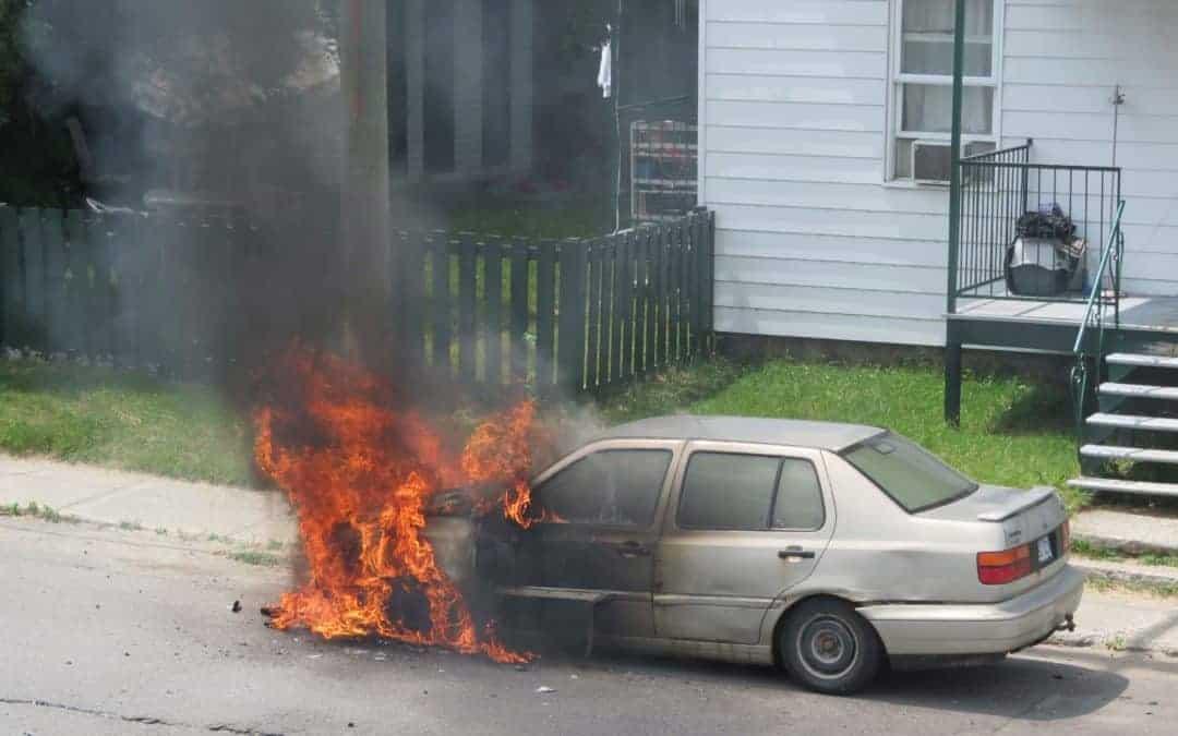 Une voiture prend feu à Sainte-Agathe-des-Monts