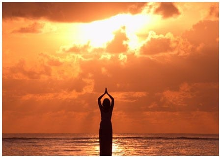 La Salutation au soleil – Surya Namaskar