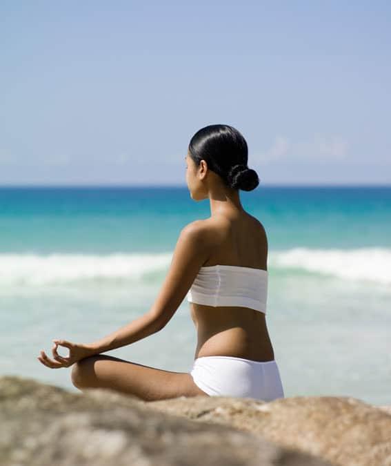 Yoga et Huiles Essentielles : l'art de les combiner