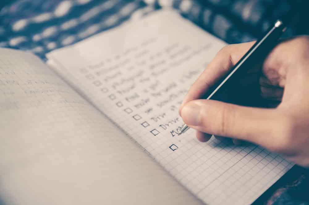 7 conseils pour arrêter de fumer facilement - Faites-vous une liste de choses à faire pour les moments où une envie de fumer se présentera.
